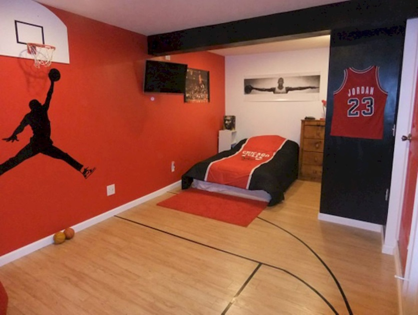 Basketball Maniac Bedroom