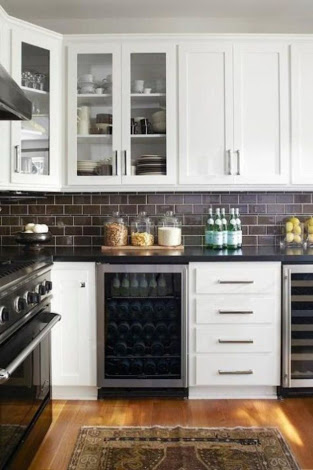Subway Backsplash for Simple Kitchen